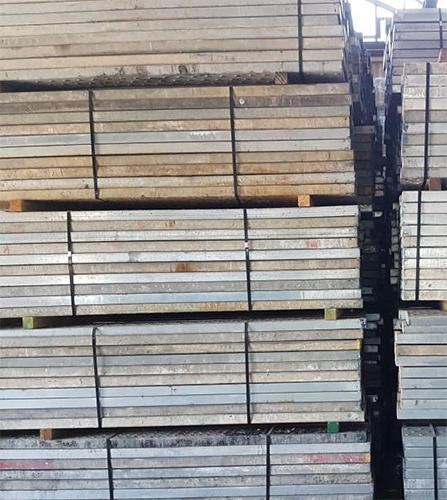 Omsnoeren houten palen